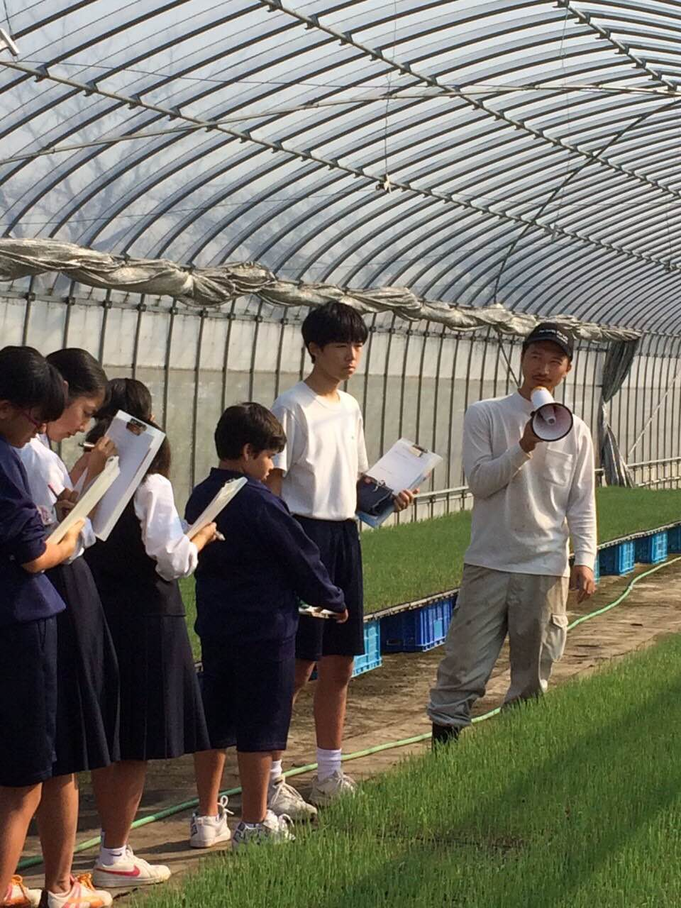 Local students come with Kobayashi